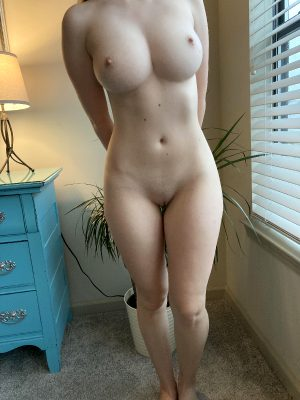 I'm Not A Milf, Or A Legal Teen But Does A Gal In Her Mid 20s Get You Going? :)