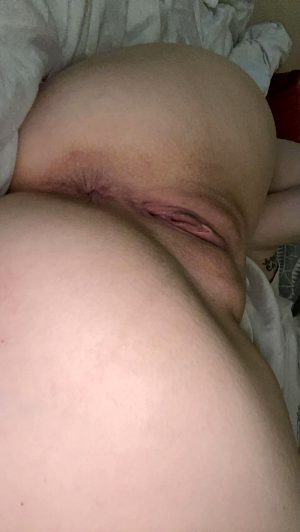 Who Would Lick This Horny Sluts My Pussy And Ass? 😩