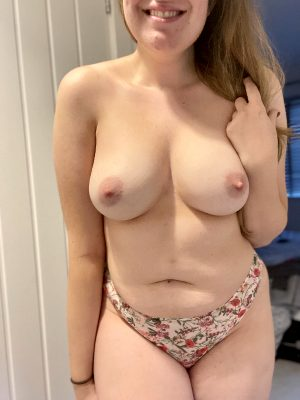 Would Any Of You Fuck A 29 Year Old Mom?